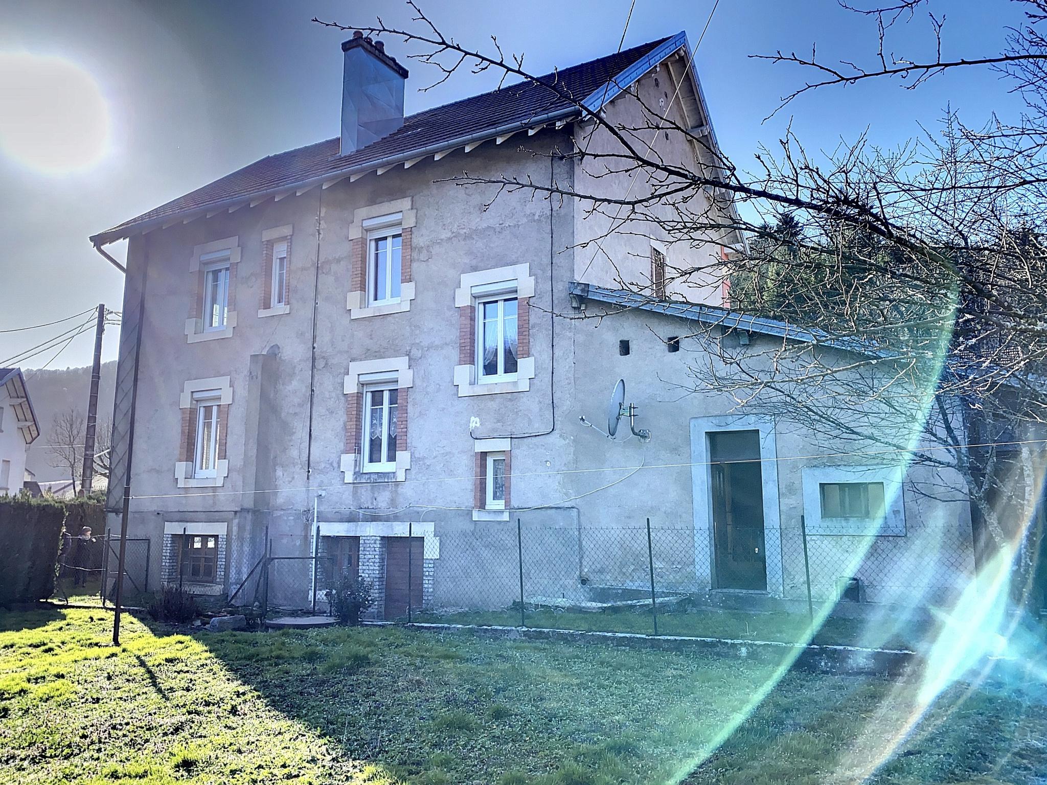 Maison A Renover Italie secteur servance, maison de village à rénover, 6 pièces, terrain de 638 m²